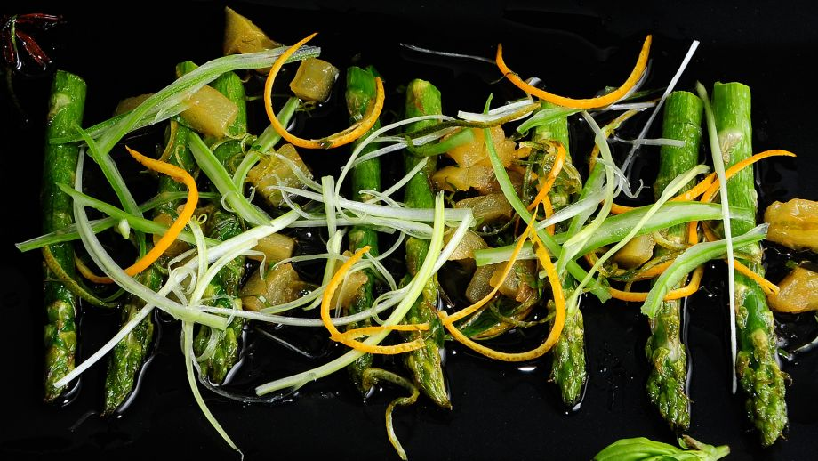 Espárragos Trigueros Con Vinagreta De Albahaca Y Tomates Verdes. De Verdad  Verduras Ep: 22