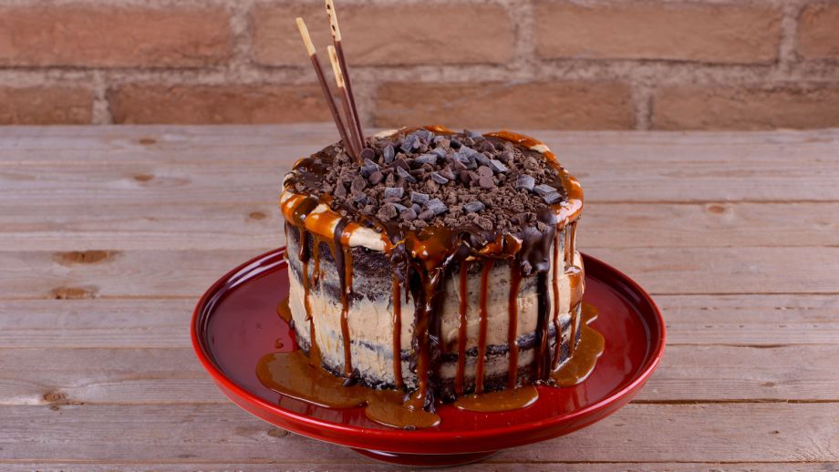 Tarta de snickers alma obreg n receta canal cocina - Canal cocina alma obregon ...