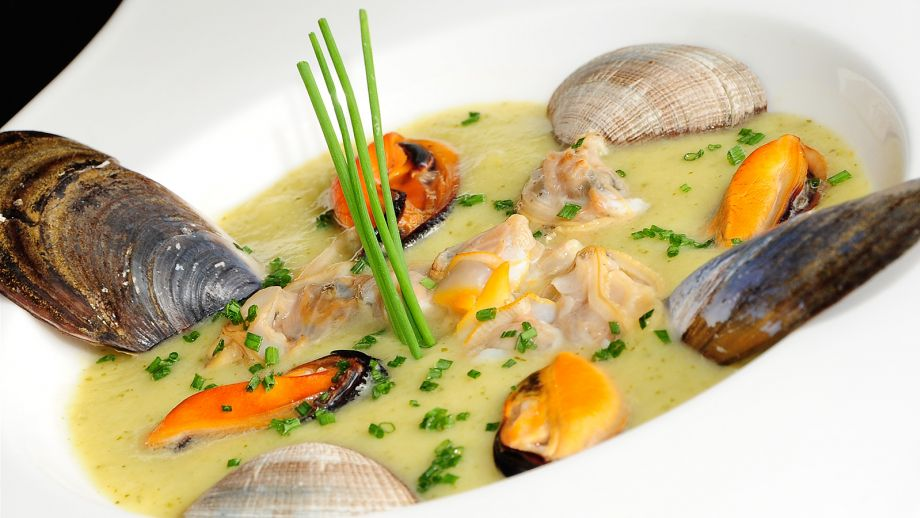 Crema de calabac n con frutos de mar chema de isidro for Chema de isidro canal cocina
