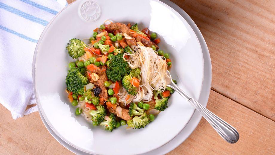 Pollo Satay Con Fideos Verduras Y Cacahuetes Elena Aymerich - Recetas-de-cocina-con-pollo