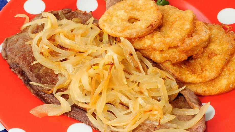 H gado de ternera encebollado con manzanas samantha for Cocinar higado de ternera