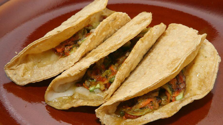 Quesadillas de flor de calabaza rita s nchez receta for Canal cocina mexicana