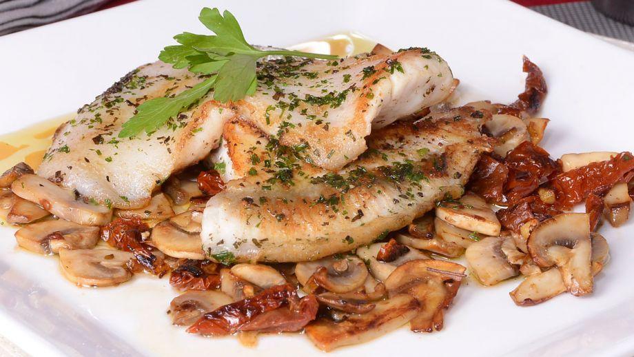 Recetas De Cocina Con Champiñones | Rodaballo Con Champinones Y Tomate Seco Julius Julio Bienert