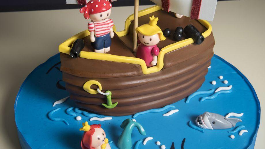 Tarta fondant barco pirata - Jessica Déniz - Receta - Canal Cocina
