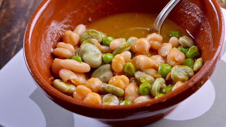 Cocido de habas y guisantes sergio fern ndez receta for Siembra de habas y guisantes