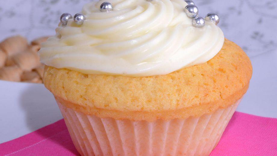 C Cocina Postres Caseros Amanda Laporte | Cupcake Basico Con Crema De Queso Cupcakes Amanda Laporte