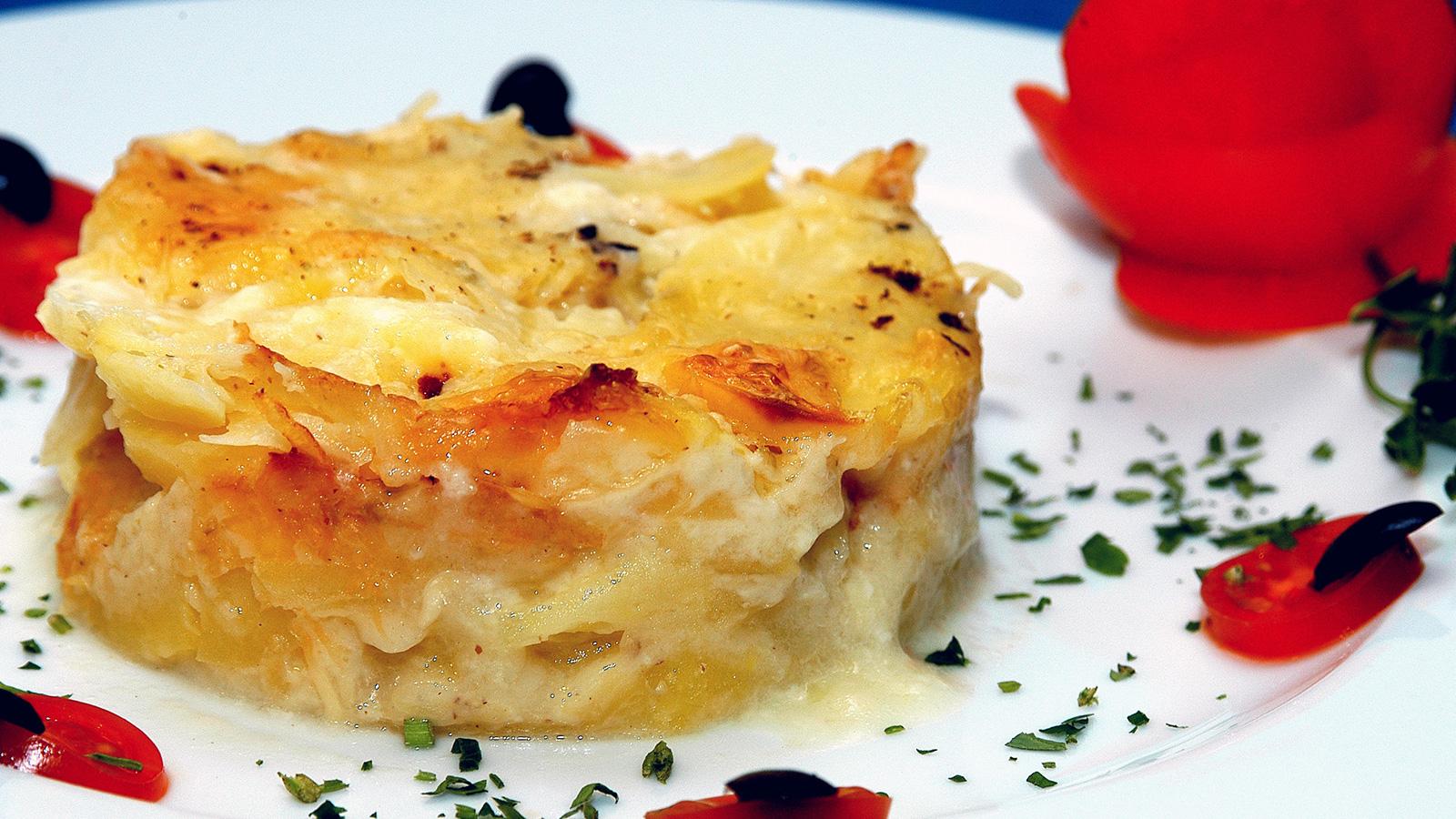 Gratinado de patata i aki oyarbide video receta - Gratinado de patata ...