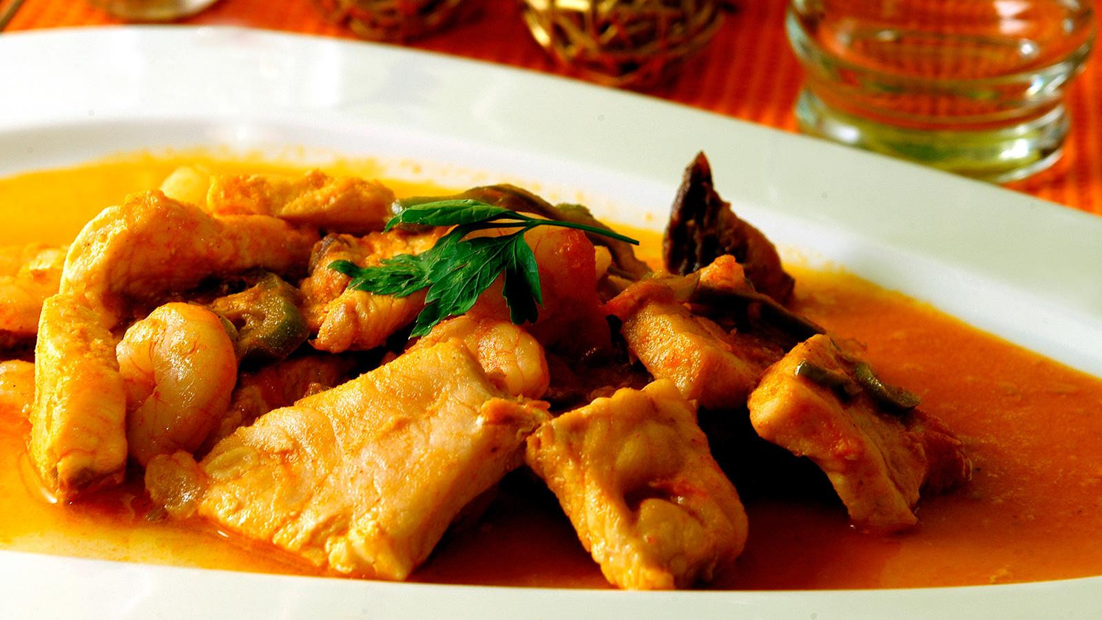 pez espada con tomates y pimientos verdes i aki oyarbide