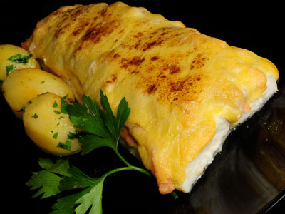 Merluza al horno sergio fern ndez video receta canal - Merluza rellena de marisco al horno ...