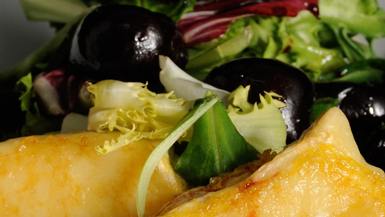 Ensalada de queso con vinagreta de cerezas diana cabrera for Diana cabrera canal cocina