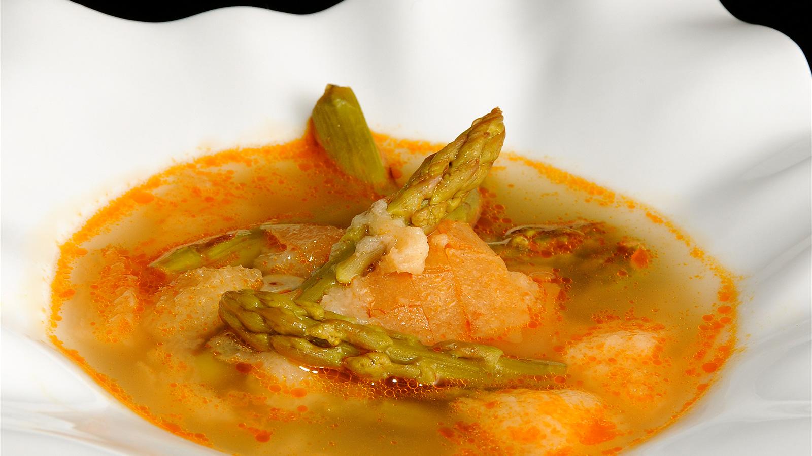 Gazpachuelo de esp rragos diana cabrera receta canal for Diana cabrera canal cocina