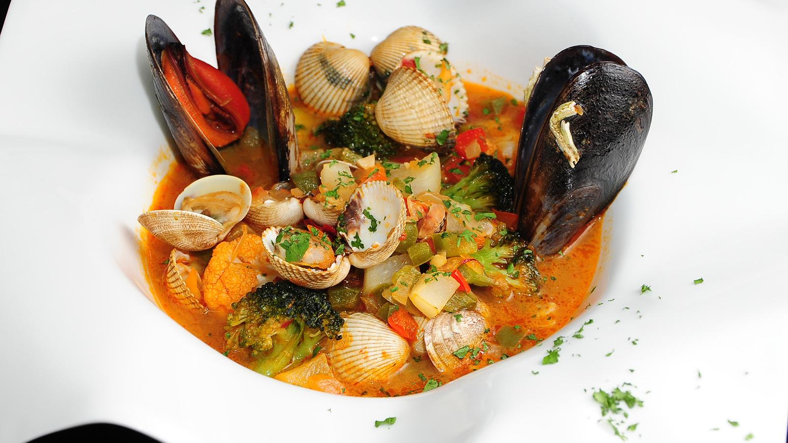 Caldereta de verduras marineras chema de isidro v zquez for Chema de isidro canal cocina