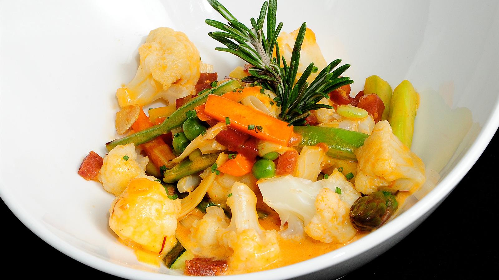 Menestra de verduras al cava chema de isidro v zquez for Chema de isidro canal cocina