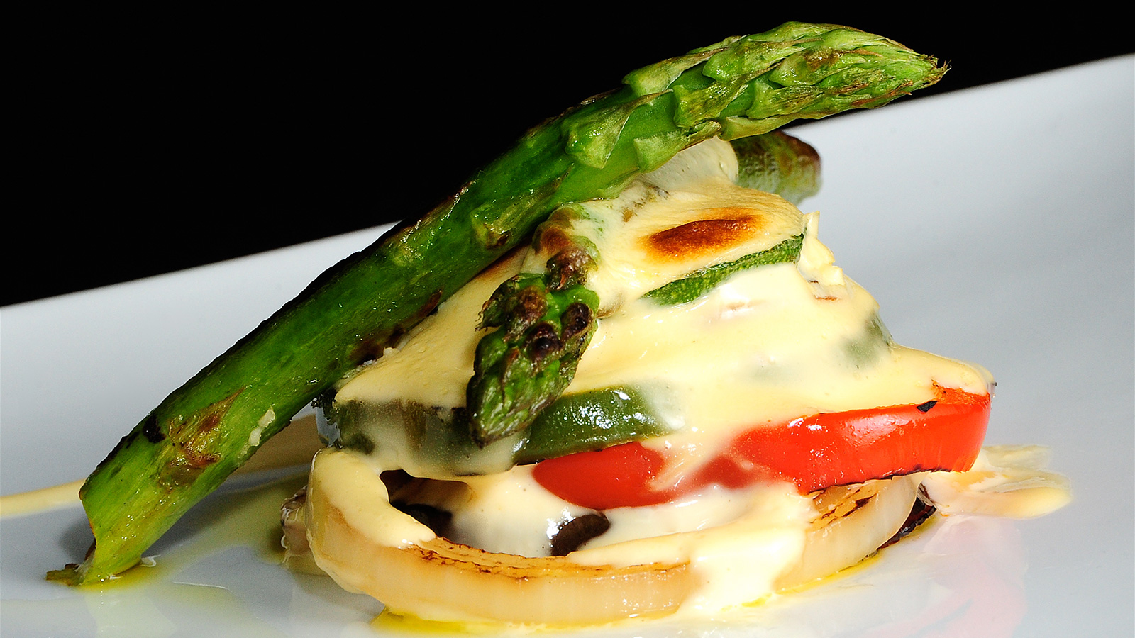 Milhojas de verduras al ajo tostado chema de isidro for Chema de isidro canal cocina