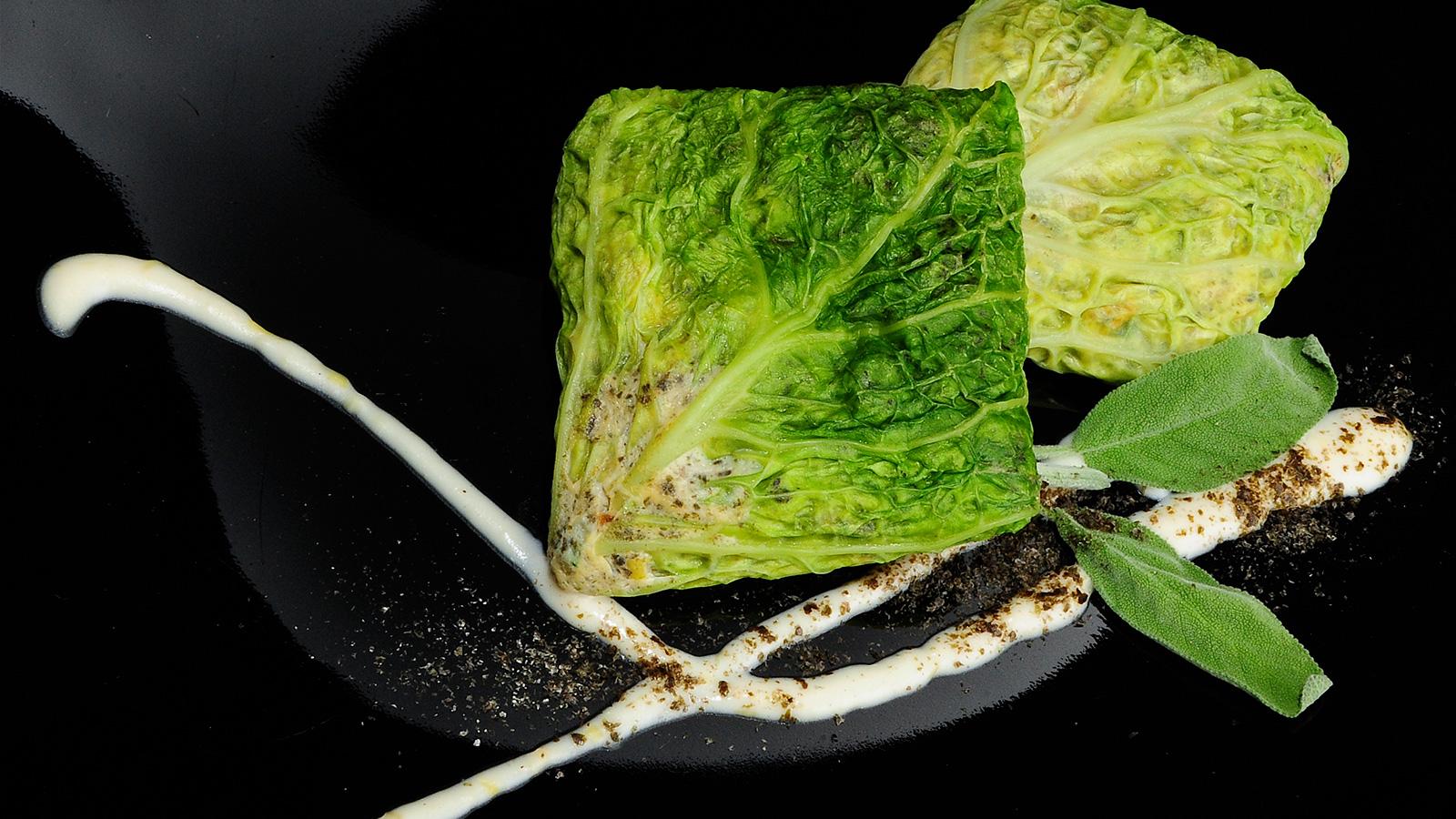 Pastel de berza con verduritas y esencia de mar chema de for Chema de isidro canal cocina