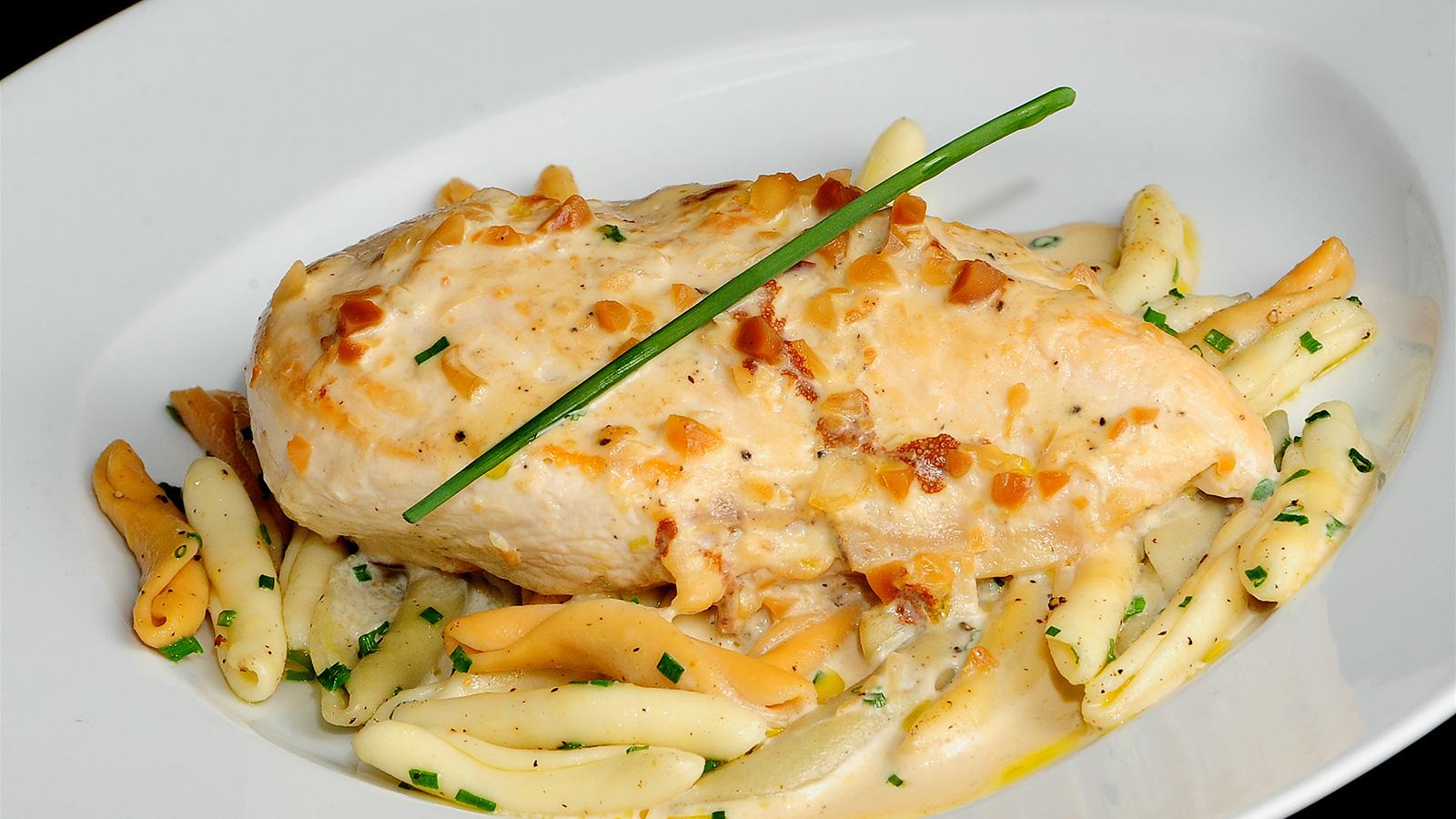 Pollo con almendras sergio fern ndez receta canal cocina for Canal cocina sergio fernandez
