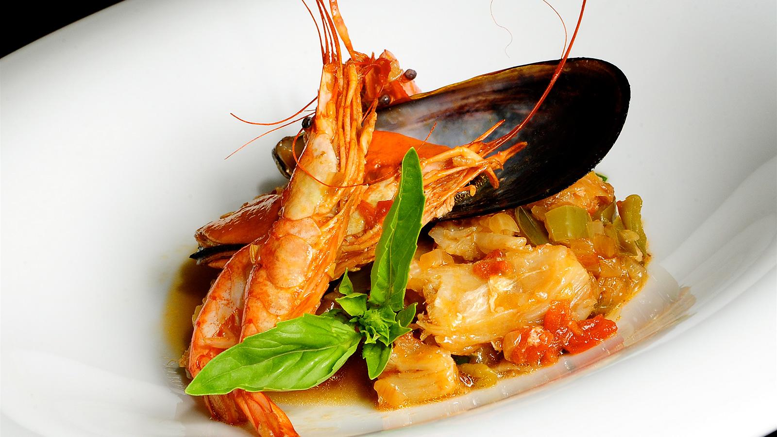 Cataplana de bacalao sergio fern ndez receta canal for Canal cocina sergio fernandez