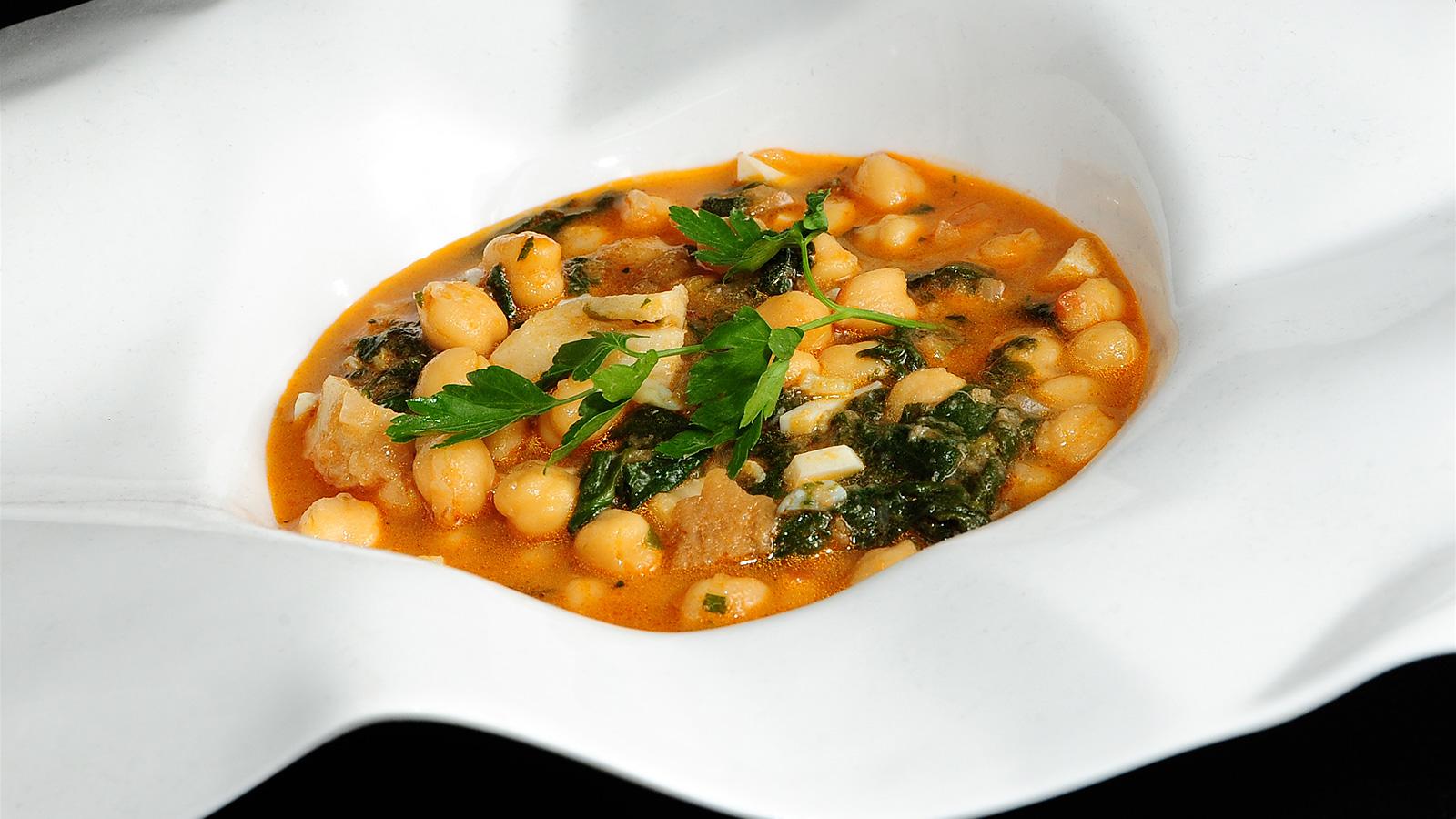 Potaje de garbanzos con bacalao koldo royo receta - Potaje con bacalao y espinacas ...