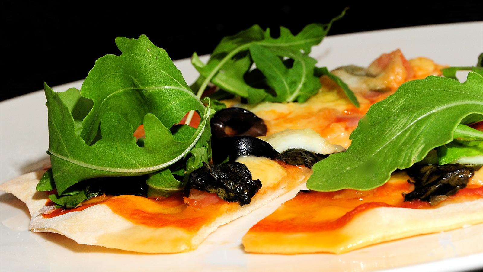 Pizza casera dar o barrio receta canal cocina - Cocina y cia ...