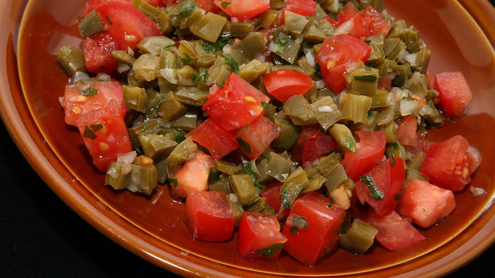 Ensalada de nopales fr a rita s nchez receta canal for Canal cocina mexicana