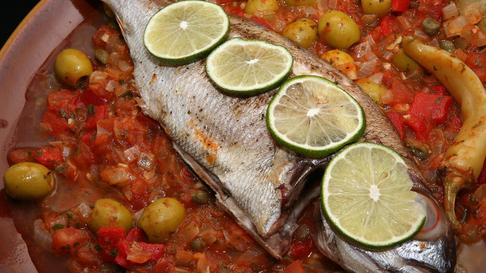 Huachinango a la veracruzana rita s nchez receta for Canal cocina mexicana