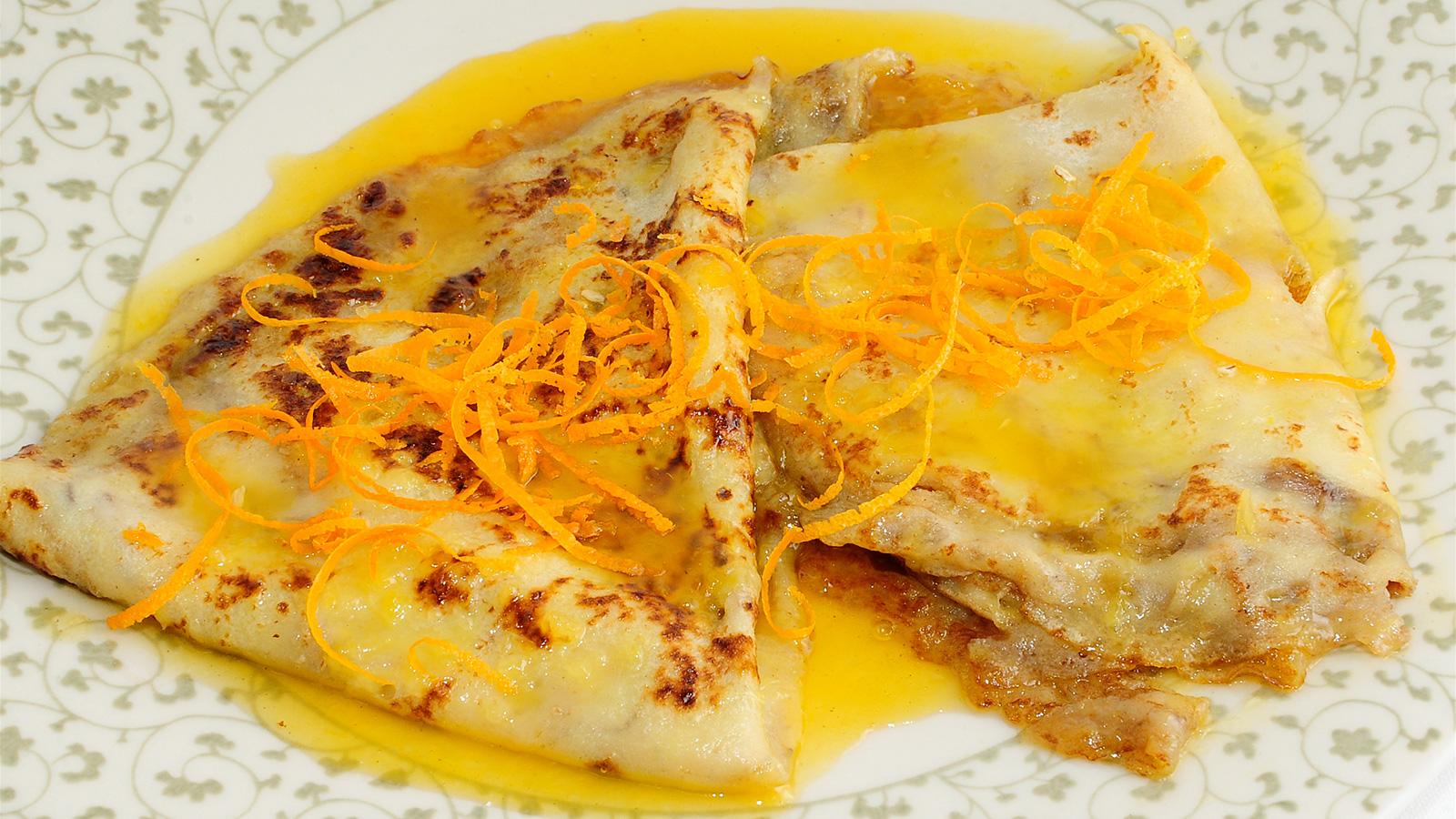 Crepes suzette evelyne ramelet receta canal cocina for Postres cocina francesa