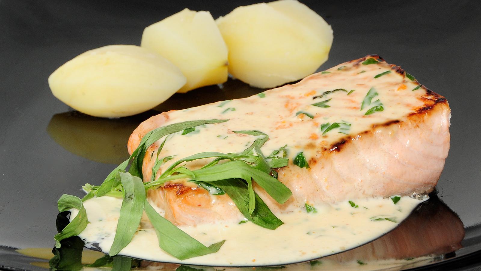 Filetes de salm n con salsa de estrag n evelyne ramelet for Cocina francesa canal cocina