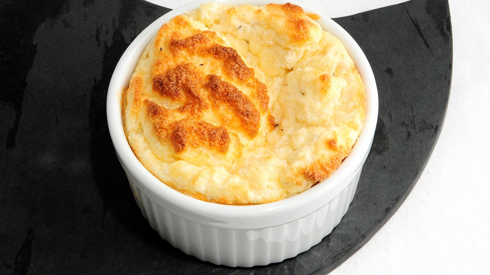 Souffle de queso evelyne ramelet receta canal cocina for Cocina francesa canal cocina