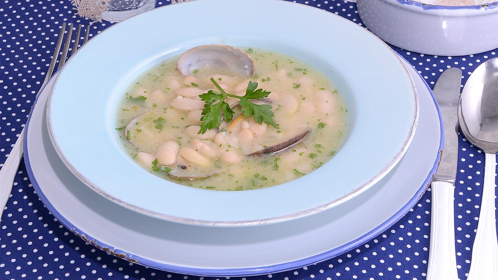 Jud as blancas con almejas samantha vallejo n gera for Programas de cocina en espana
