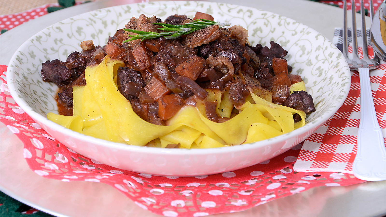 Pappardelle con pato guisado samantha vallejo n gera for Programas de cocina en espana