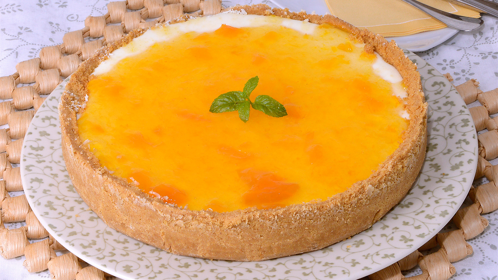 Tarta de reques n amanda laporte receta canal cocina for Chema de isidro canal cocina