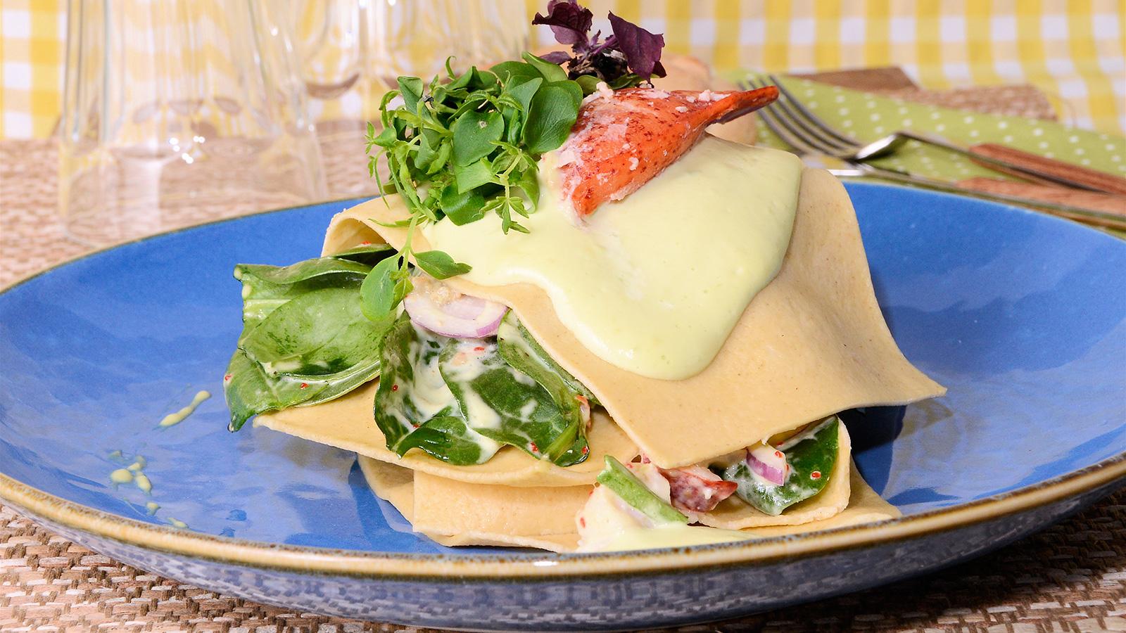 Lasa a de pasta fresca con bogavante y salsa fr a de - Salsa para bogavante cocido ...