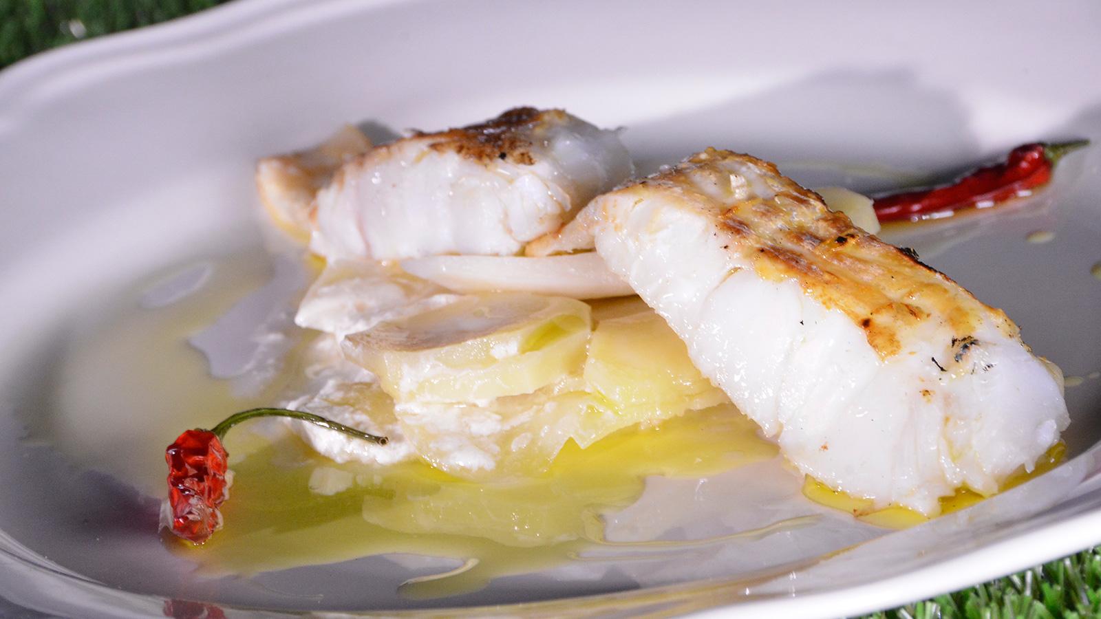 Bacalao a la portuguesa con patatas panaderas de panceta for Cocina bacalao con patatas