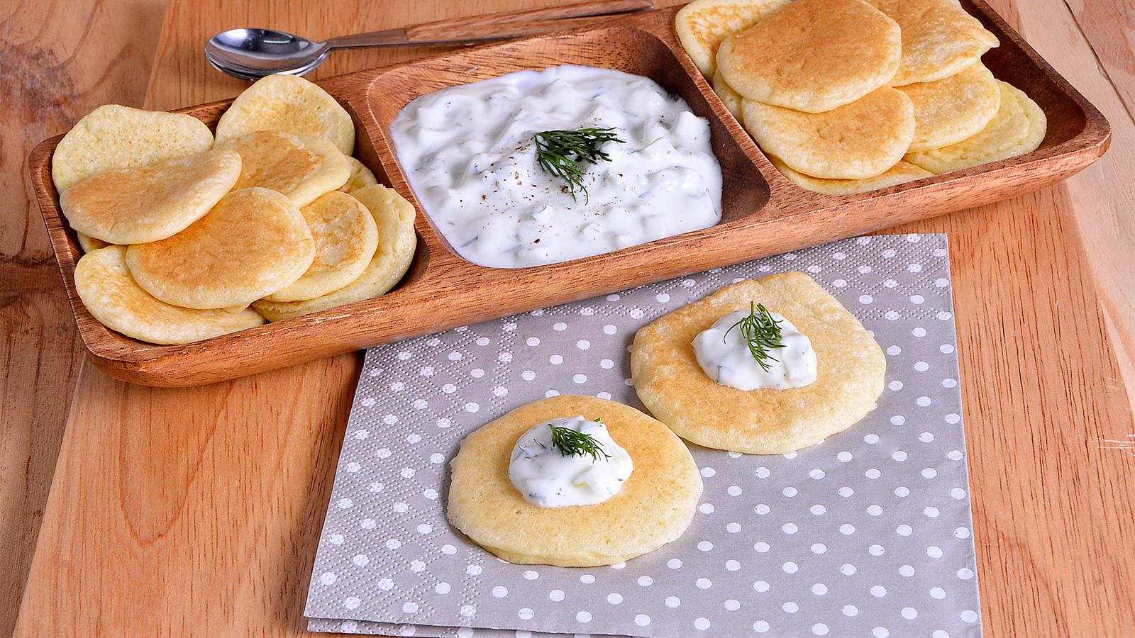 Blinis de pepino y yogur griego marta yanci receta for Utilisima cocina