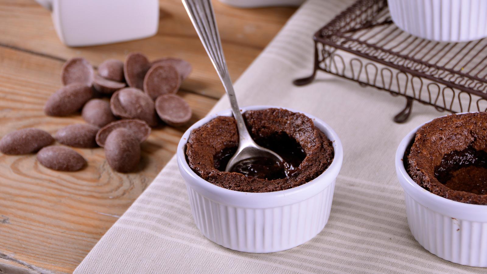 Coulant de chocolate alma obreg n video receta canal for Canal cocina alma obregon