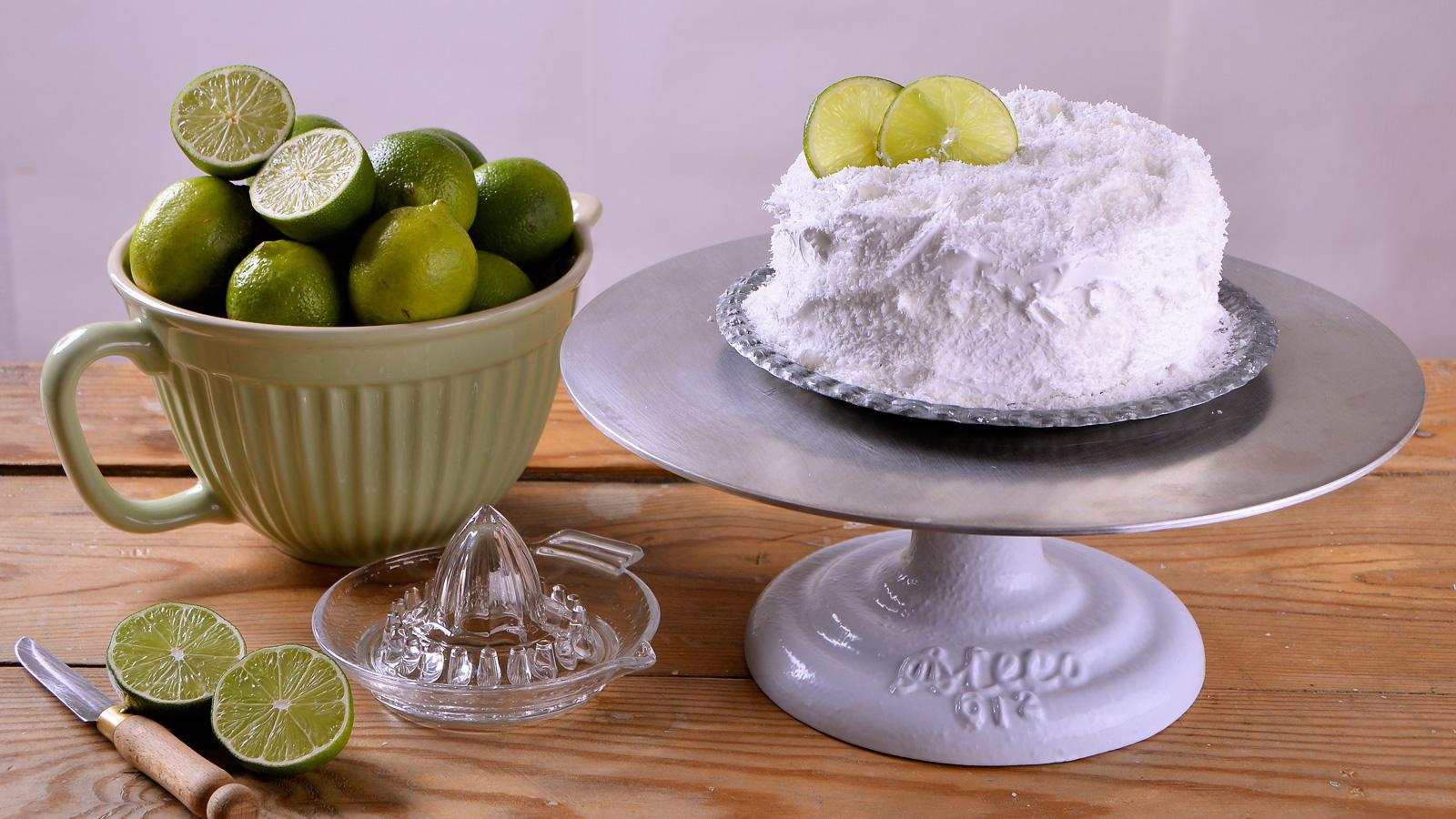 Tarta de coco y lima alma obreg n receta canal cocina for Canal cocina alma obregon