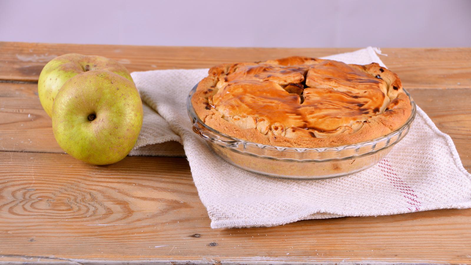Tarta de manzana nueces y pasas apple pie alma for Canal cocina alma obregon