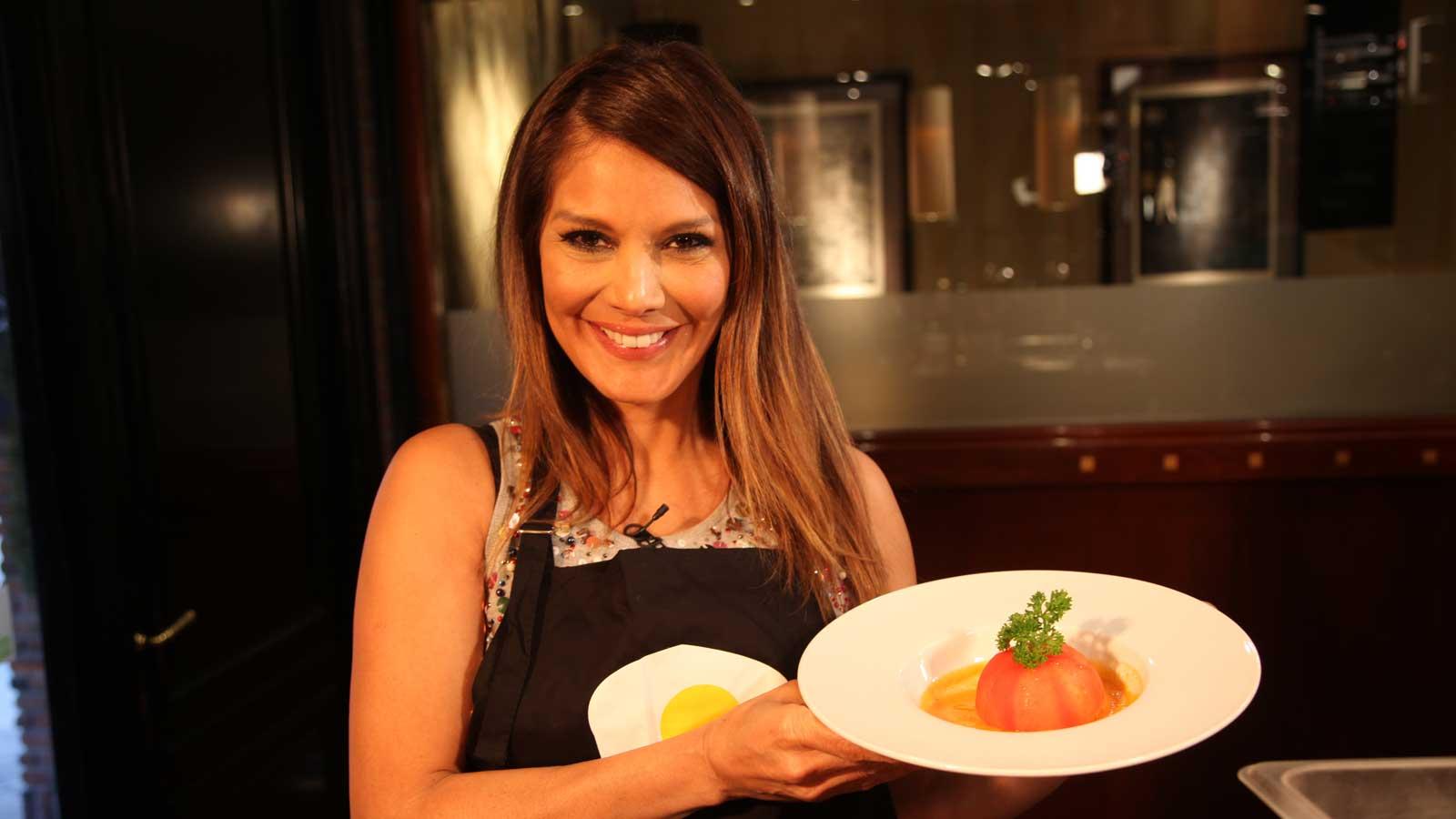 Ivonne reyes cocineros canal cocina for Cocineros de canal cocina