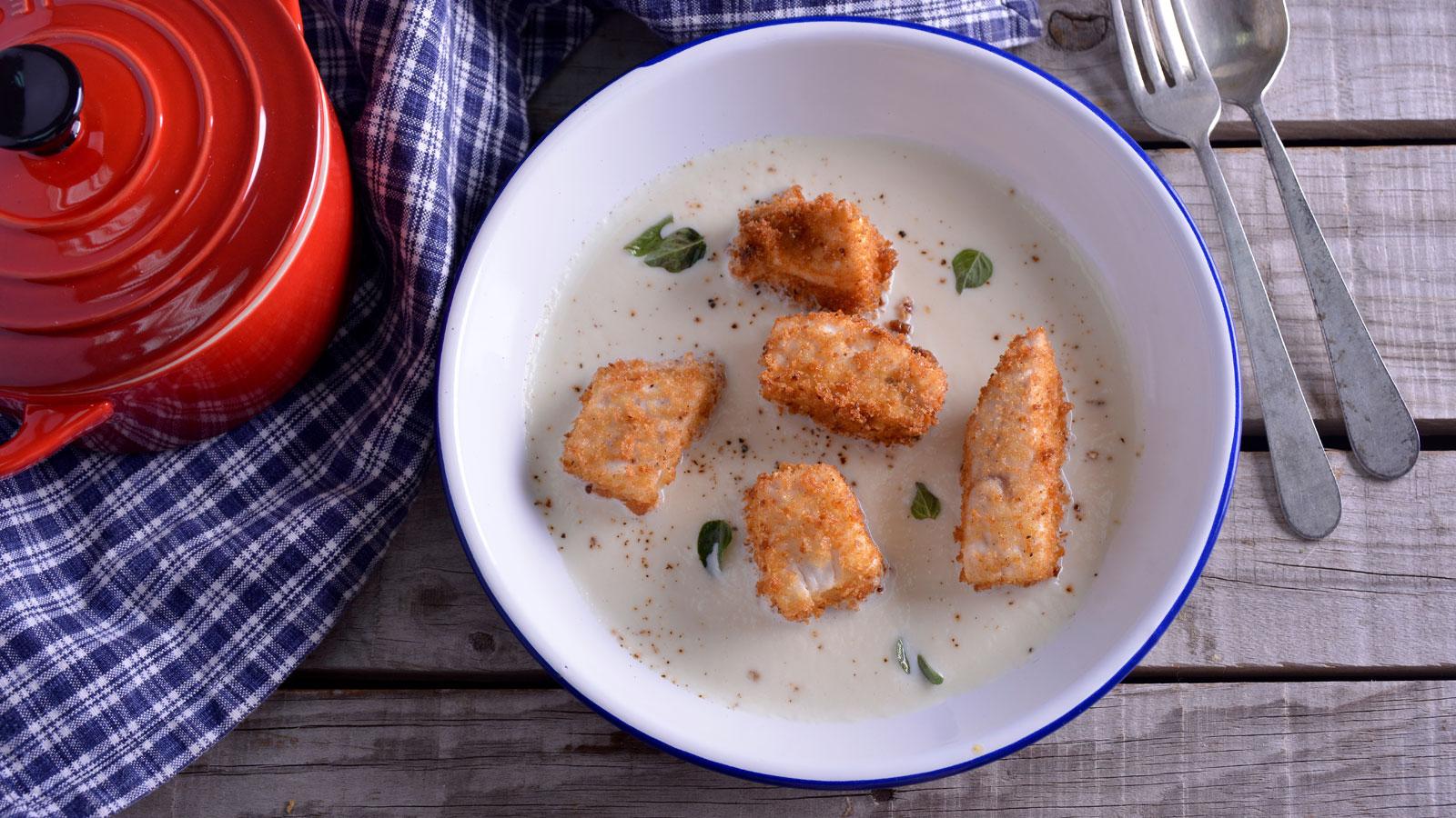 Crema de hinojo con tacos de pez espada fritos en pan for Pez espada fresco