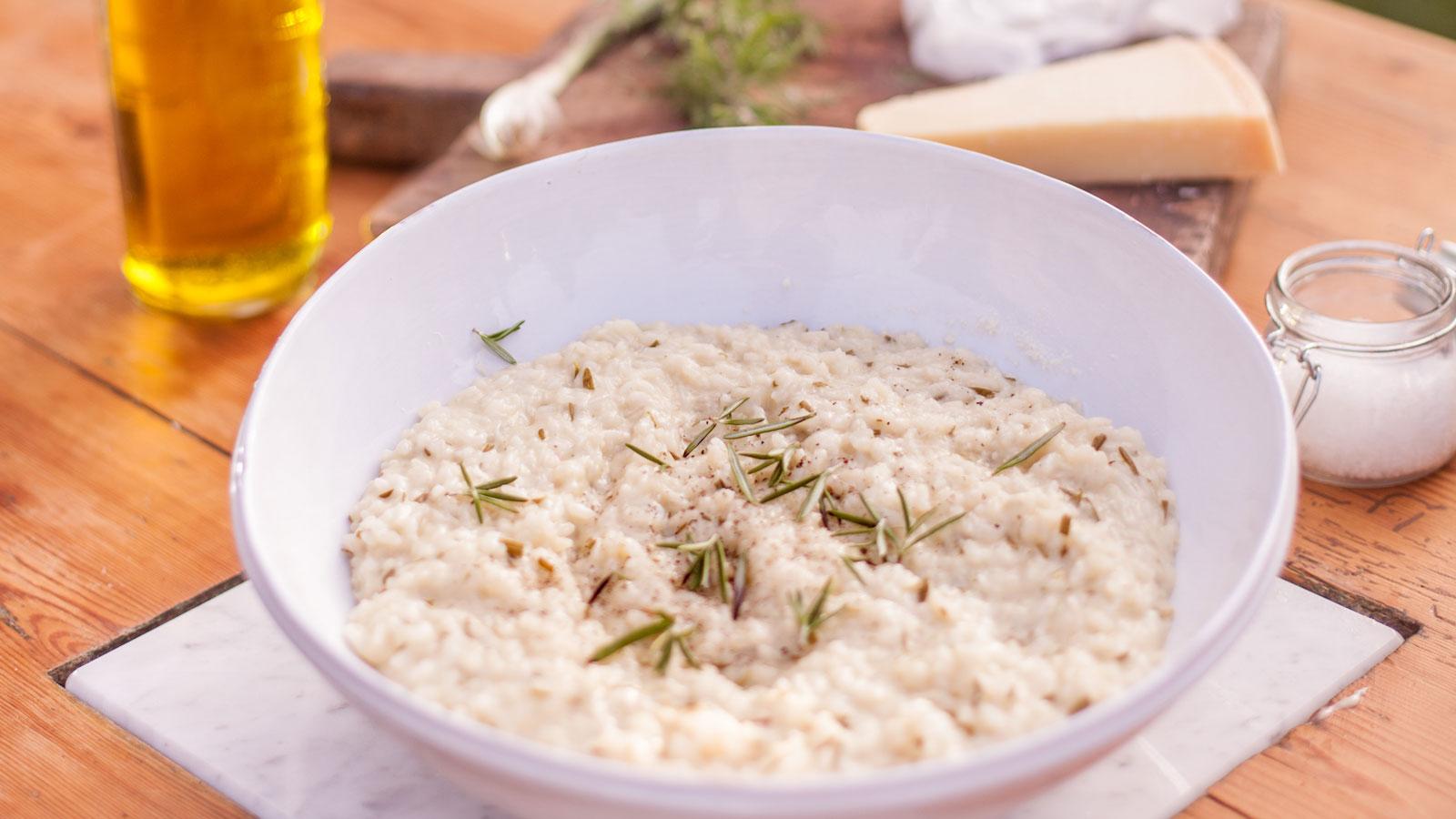 Risotto al rosmerino arroz al romero slow food for Arroz blanco cocina al natural