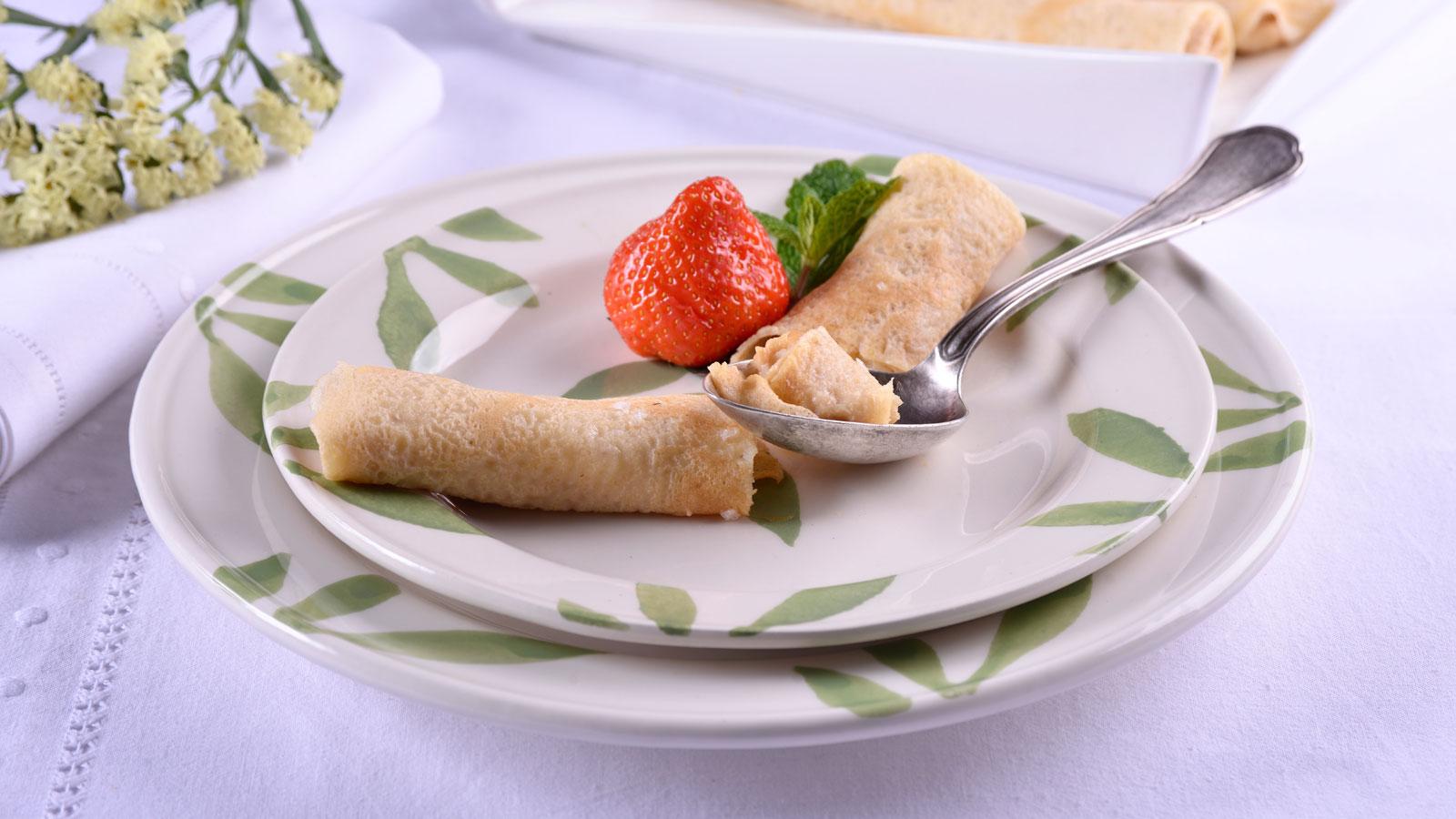 Crepes con crema de caramelo elena aymerich receta for Canal cocina cocina de familia