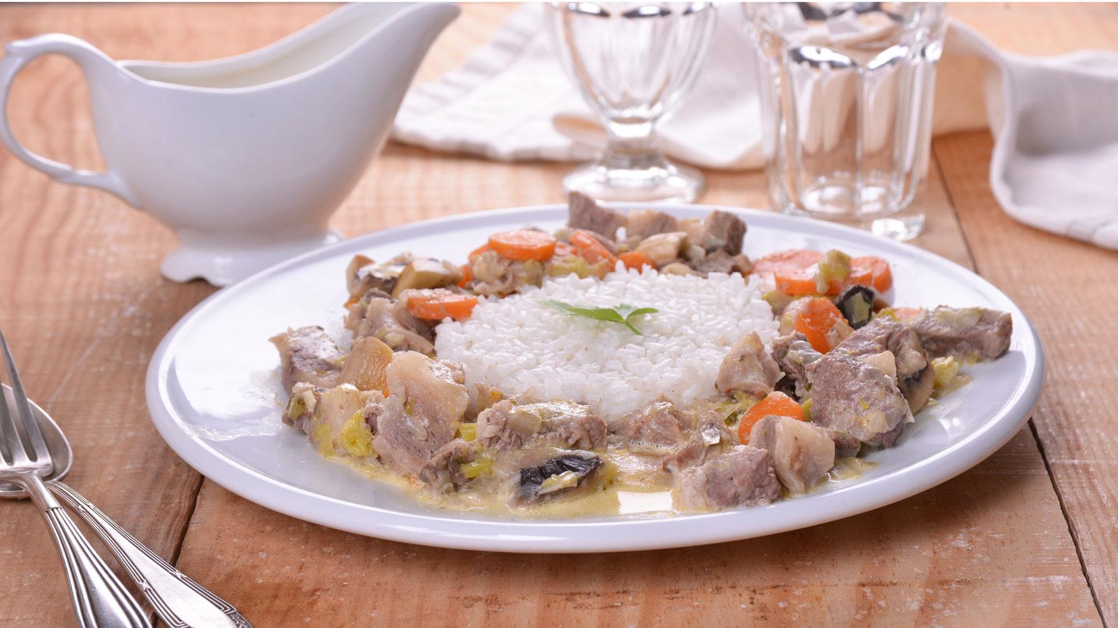 Blanqueta de ternera con champi ones elena aymerich for Canal cocina cocina de familia
