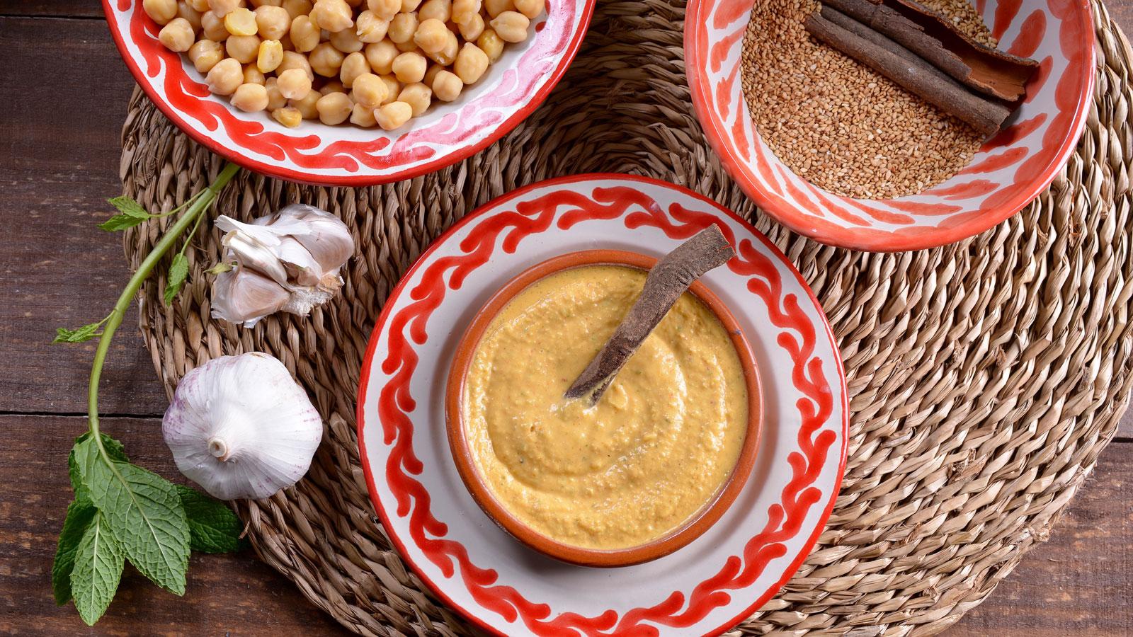 Humus c trico con harissa hummus bel harissa najat for Cocineros de canal cocina