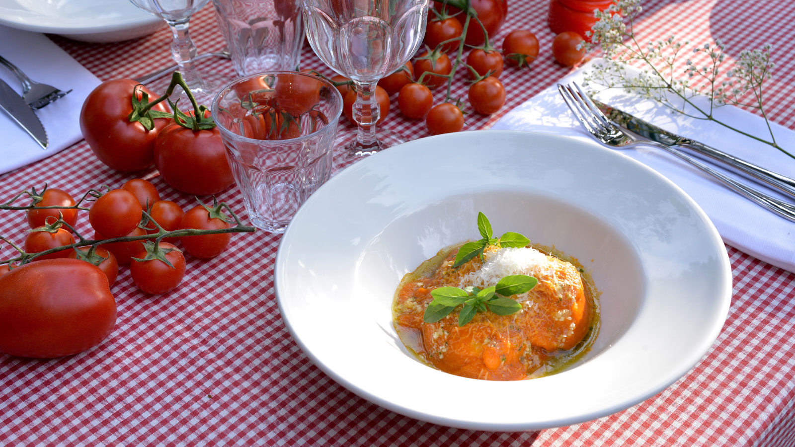 Raviolis caseros de ricotta con salsa tuco pablo vicari receta canal cocina - Cocina casera a domicilio ...