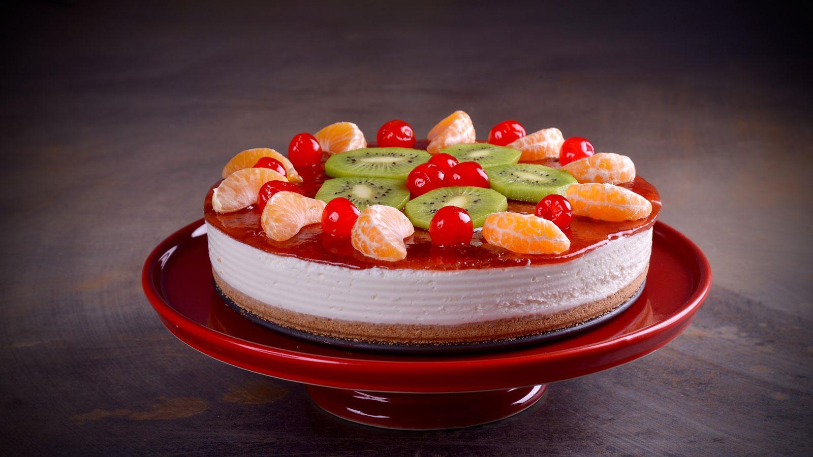 Tarta de yogur y frutas de temporada hermana mar a jos receta canal cocina - Divinos pucheros maria jose ...