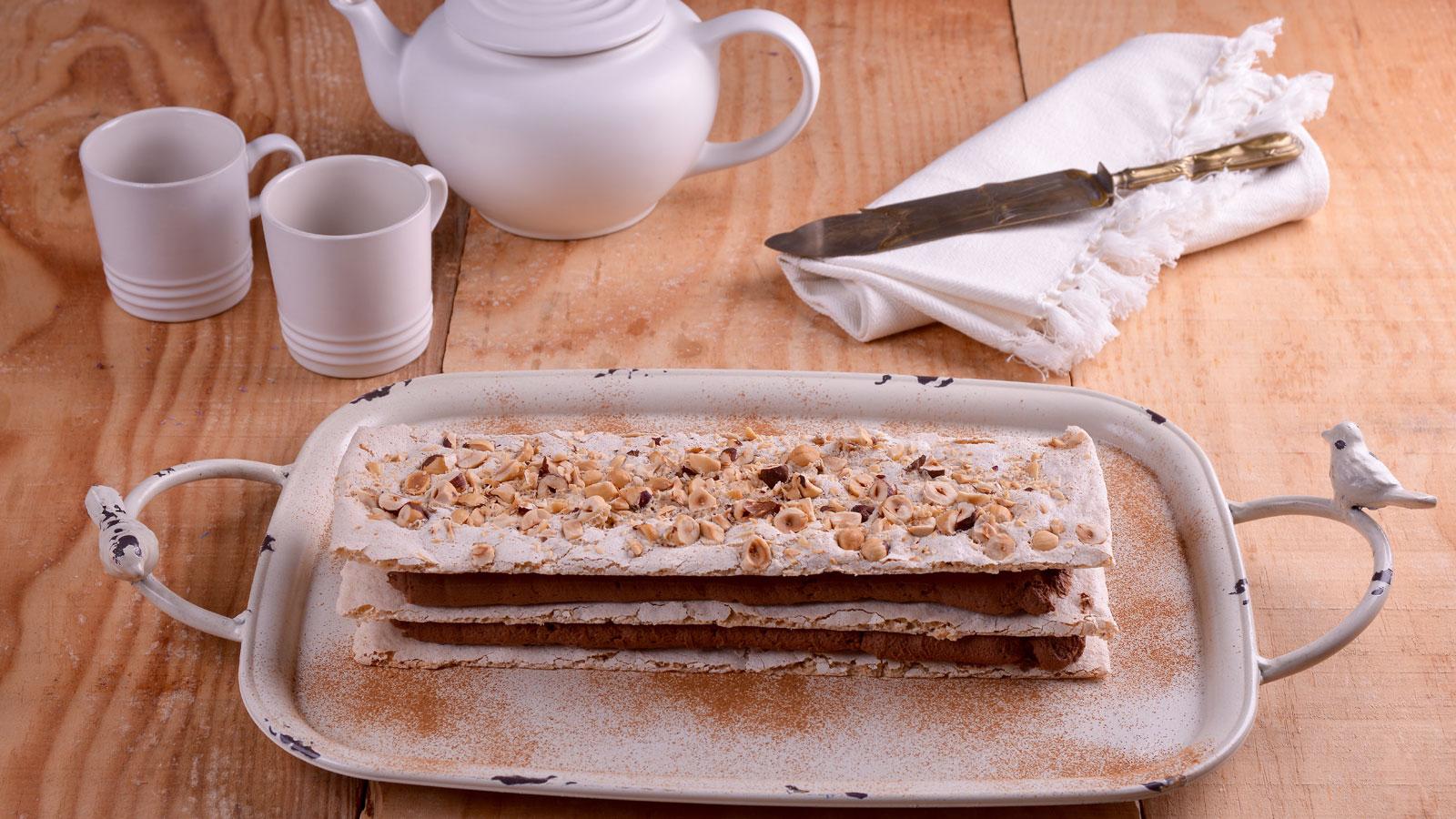 Vacherin de avellanas y chocolate elena aymerich for Canal cocina cocina de familia