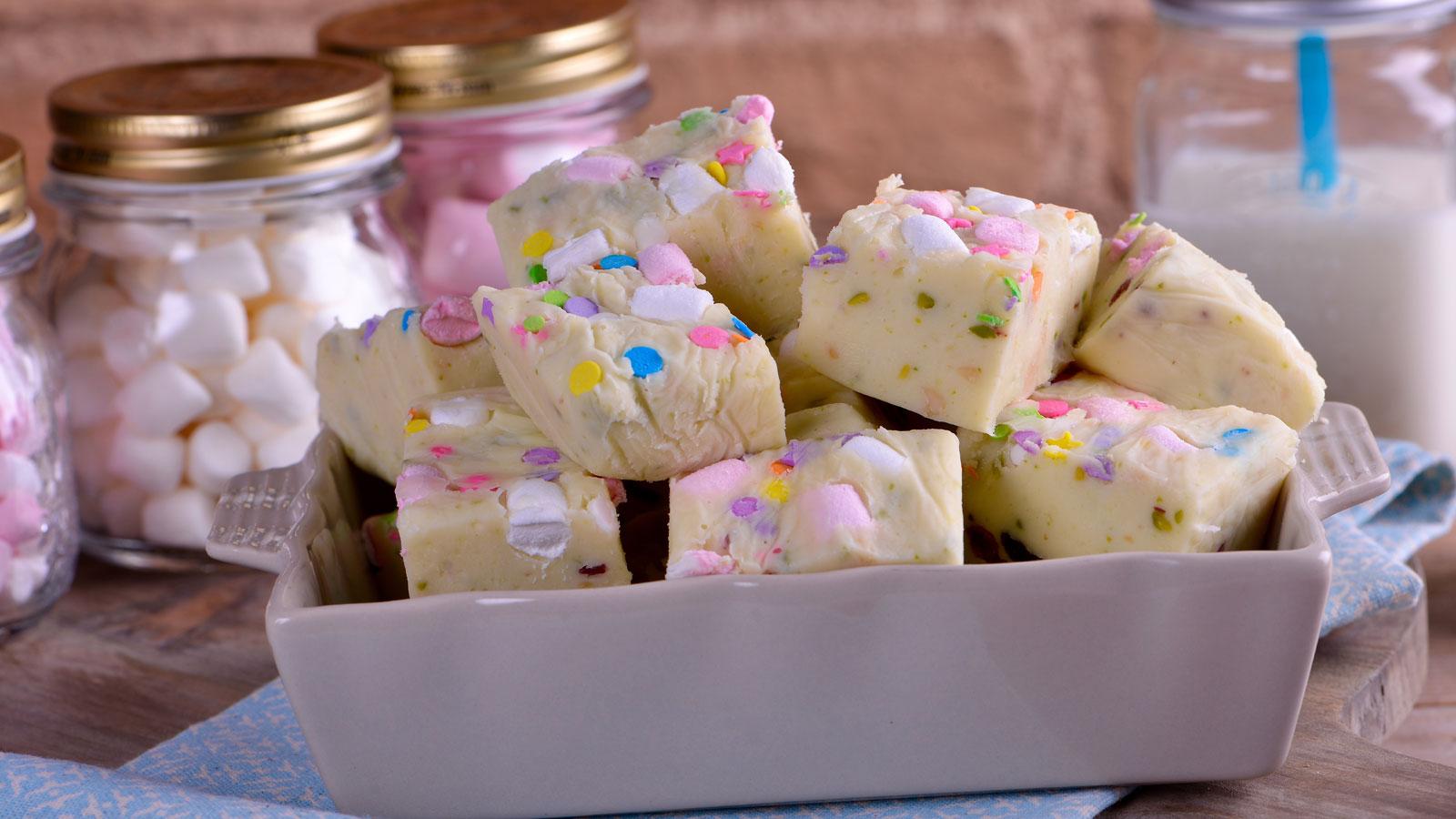 Fudge de chocolate blanco alma obreg n receta canal cocina - Canal cocina alma obregon ...