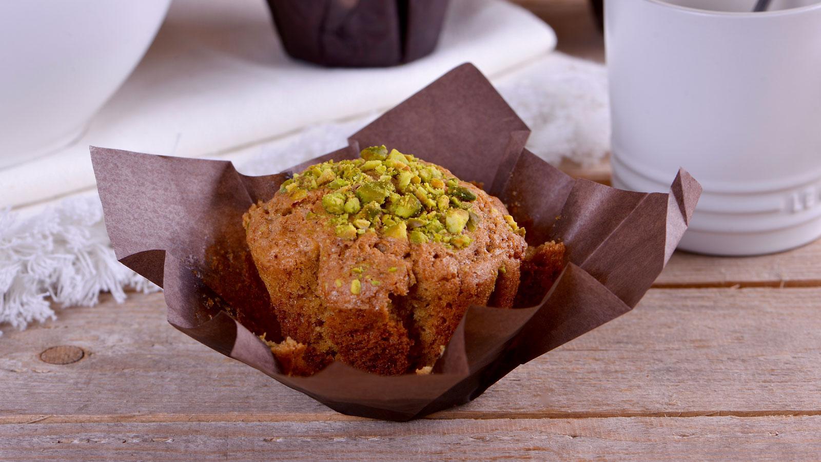 Muffins de chocolate blanco pistachos y cardamomo alma for Canal cocina alma obregon