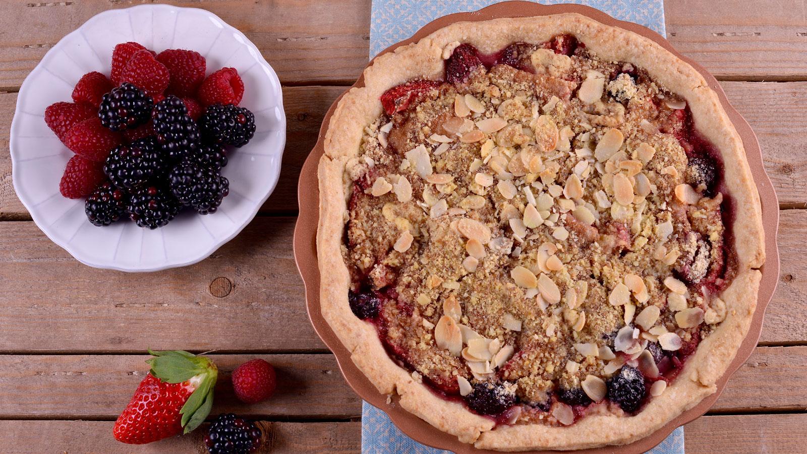 Tartaleta de frutos rojos y fresas alma obreg n receta canal cocina - Canal cocina alma obregon ...