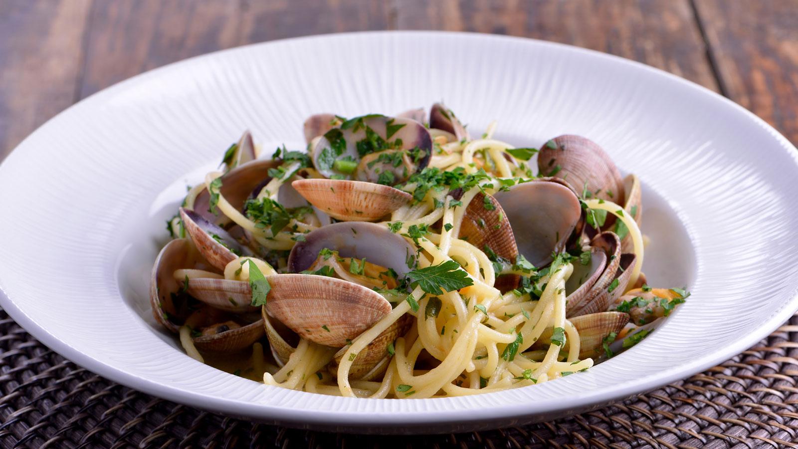Pasta con chirlas pasta alle vongole matteo de filippo - Espaguetis con chirlas ...